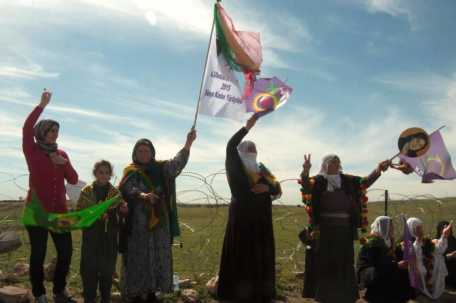 foto:nusajbin border, kurdistan, photo by: feminist caravan